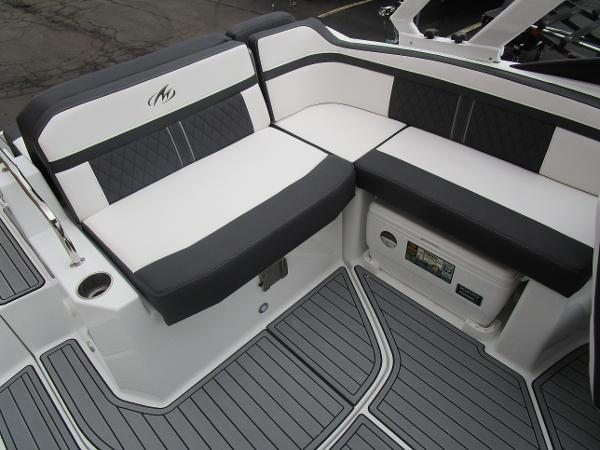 2021 Monterey boat for sale, model of the boat is M4 & Image # 14 of 40