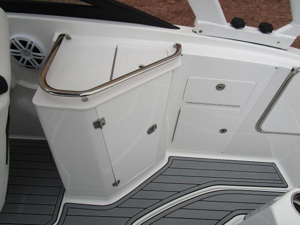 2021 Monterey boat for sale, model of the boat is M4 & Image # 15 of 40