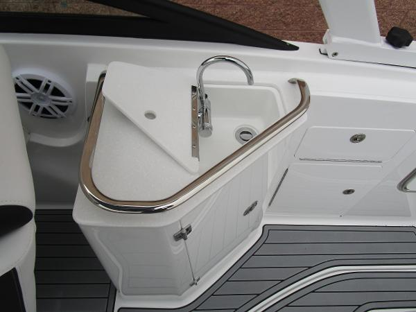 2021 Monterey boat for sale, model of the boat is M4 & Image # 16 of 40
