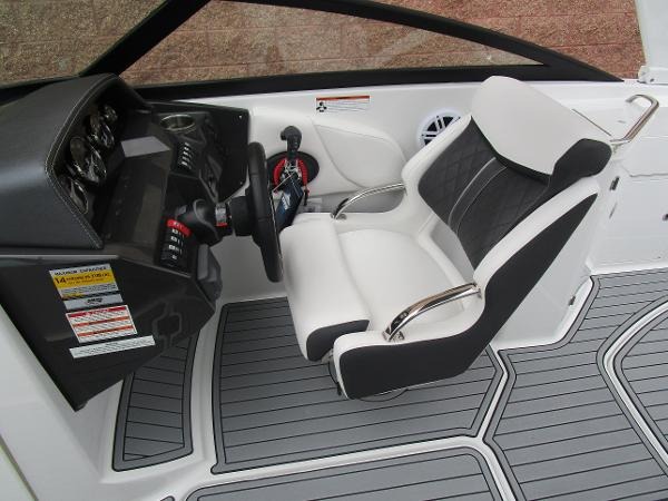2021 Monterey boat for sale, model of the boat is M4 & Image # 23 of 40