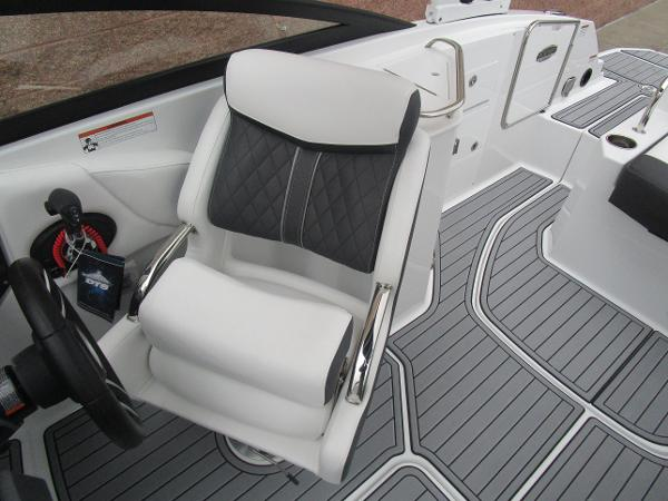 2021 Monterey boat for sale, model of the boat is M4 & Image # 24 of 40