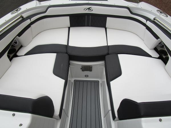 2021 Monterey boat for sale, model of the boat is M4 & Image # 29 of 40
