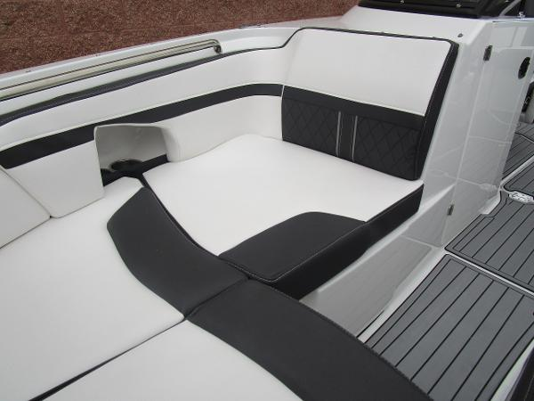 2021 Monterey boat for sale, model of the boat is M4 & Image # 36 of 40