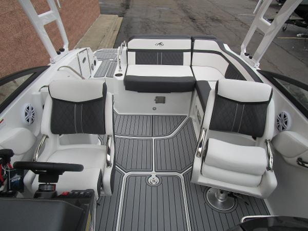 2021 Monterey boat for sale, model of the boat is M4 & Image # 37 of 40