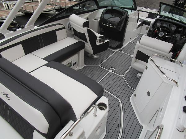 2021 Monterey boat for sale, model of the boat is M4 & Image # 39 of 40