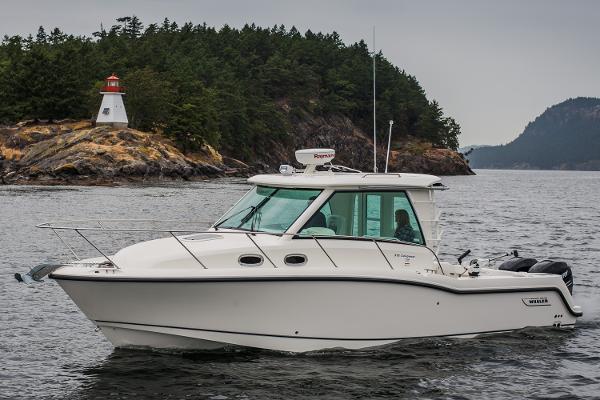 2015 Boston Whaler 315 Conquest Pilothouse thumbnail
