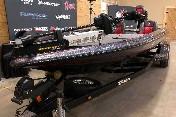 2018 Triton boat for sale, model of the boat is 21 TRX & Image # 7 of 10