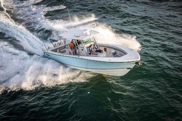 2022 Mako boat for sale, model of the boat is 414 CC & Image # 10 of 129