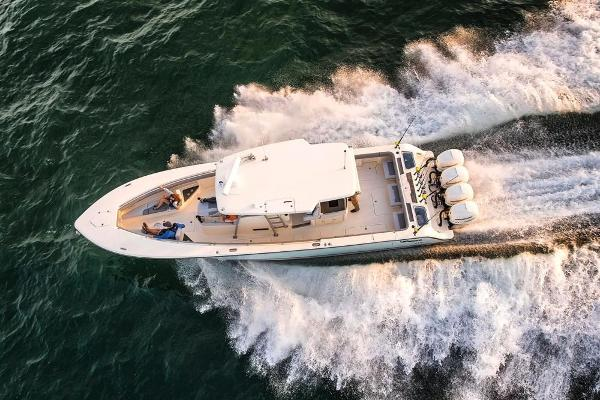 2022 Mako boat for sale, model of the boat is 414 CC & Image # 17 of 129