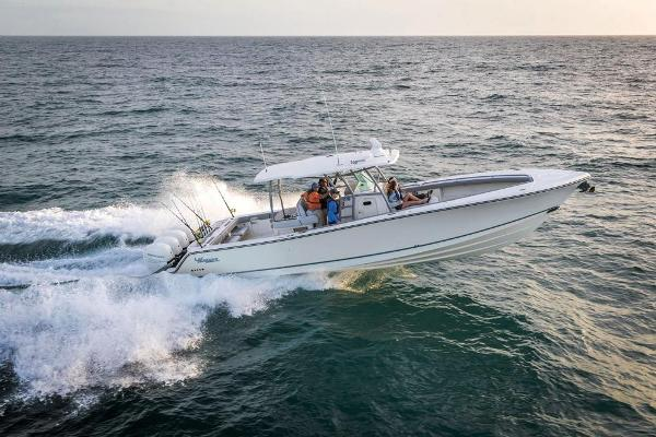 2022 Mako boat for sale, model of the boat is 414 CC & Image # 24 of 129