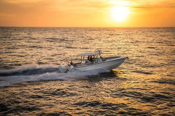 2022 Mako boat for sale, model of the boat is 414 CC & Image # 25 of 129