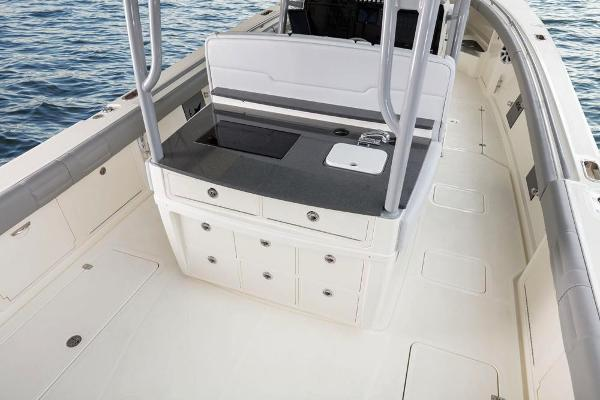 2022 Mako boat for sale, model of the boat is 414 CC & Image # 31 of 129