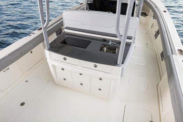 2022 Mako boat for sale, model of the boat is 414 CC & Image # 32 of 129