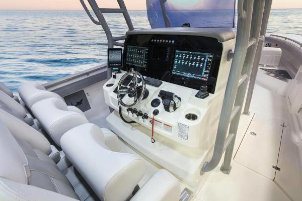2022 Mako boat for sale, model of the boat is 414 CC & Image # 43 of 129