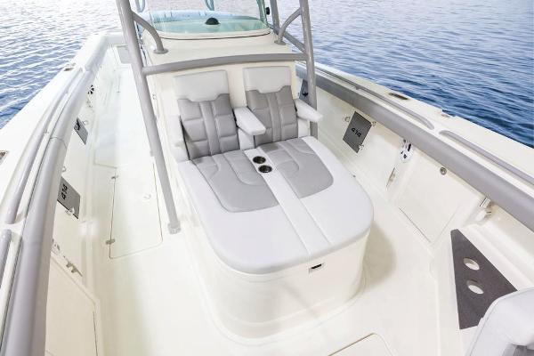 2022 Mako boat for sale, model of the boat is 414 CC & Image # 44 of 129