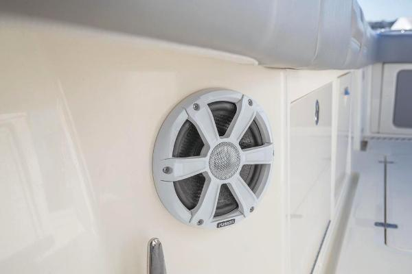 2022 Mako boat for sale, model of the boat is 414 CC & Image # 59 of 129