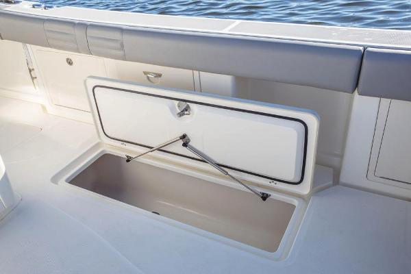 2022 Mako boat for sale, model of the boat is 414 CC & Image # 61 of 129