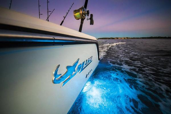 2022 Mako boat for sale, model of the boat is 414 CC & Image # 88 of 129
