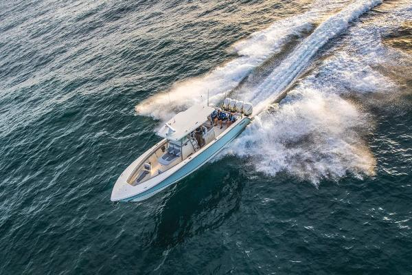 2019 Mako boat for sale, model of the boat is 414 CC Family Edition & Image # 12 of 108