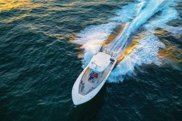 2019 Mako boat for sale, model of the boat is 414 CC Family Edition & Image # 14 of 108