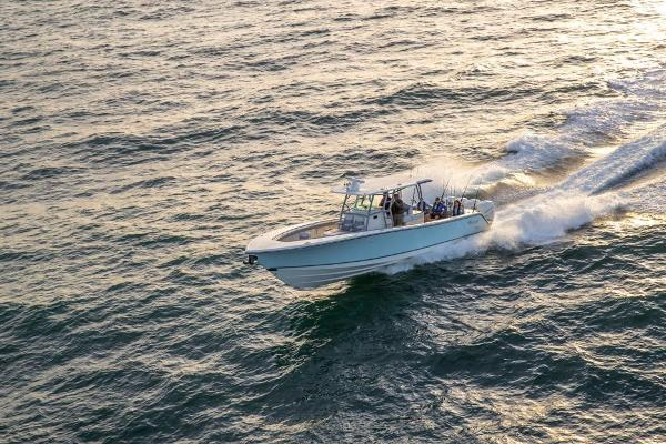 2019 Mako boat for sale, model of the boat is 414 CC Family Edition & Image # 16 of 108