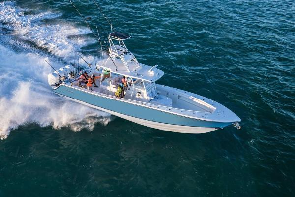 2019 Mako boat for sale, model of the boat is 414 CC Family Edition & Image # 24 of 108