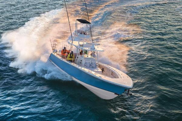 2019 Mako boat for sale, model of the boat is 414 CC Family Edition & Image # 25 of 108
