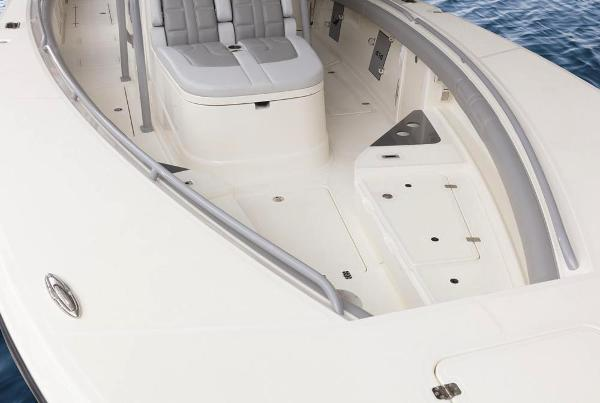 2019 Mako boat for sale, model of the boat is 414 CC Family Edition & Image # 42 of 108