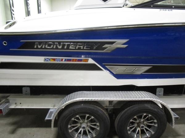 2021 Monterey boat for sale, model of the boat is 238 Super Sport & Image # 3 of 11