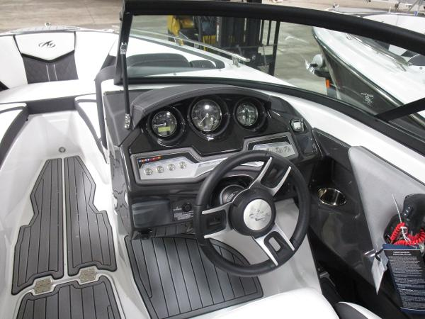 2021 Monterey boat for sale, model of the boat is 238 Super Sport & Image # 5 of 11