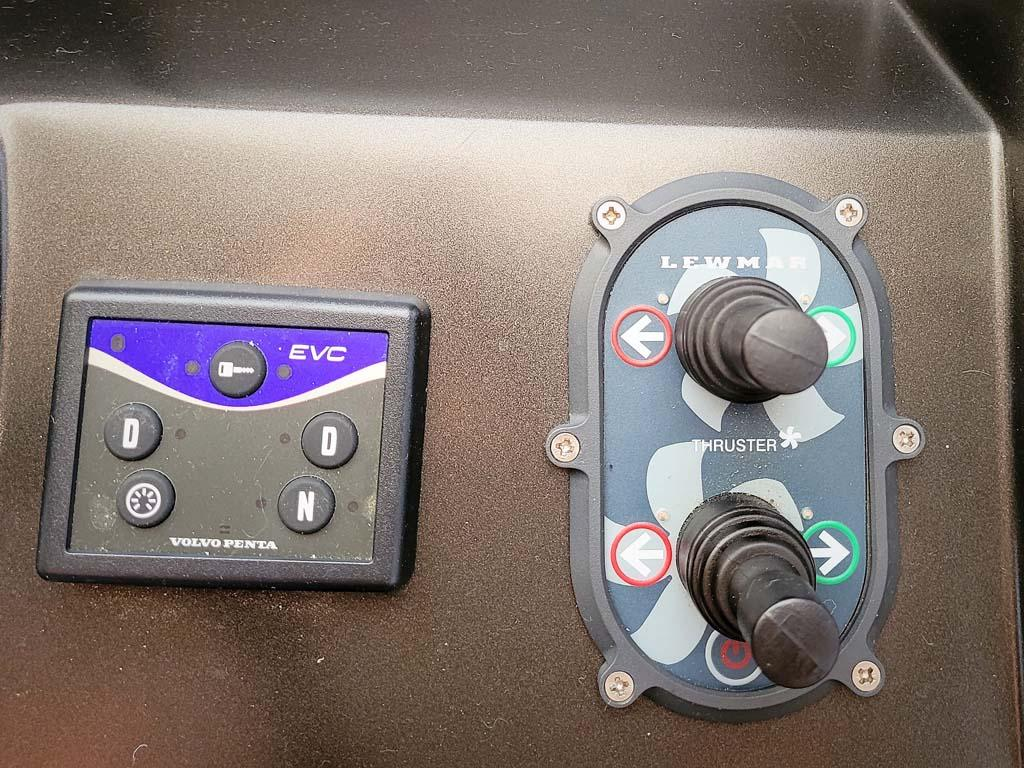 Bow and Stern Thruster Controls