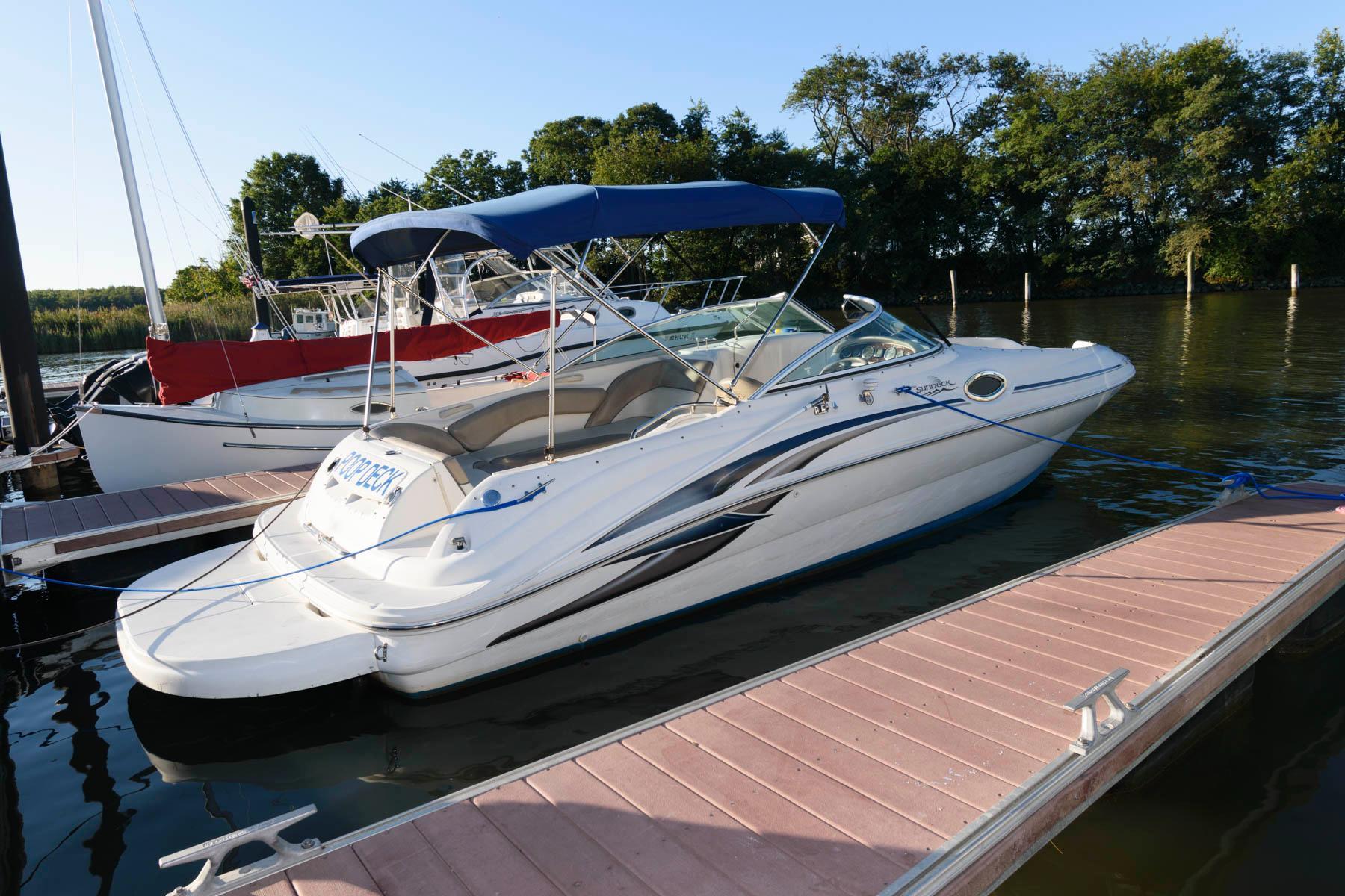 M 6542 WT Knot 10 Yacht Sales