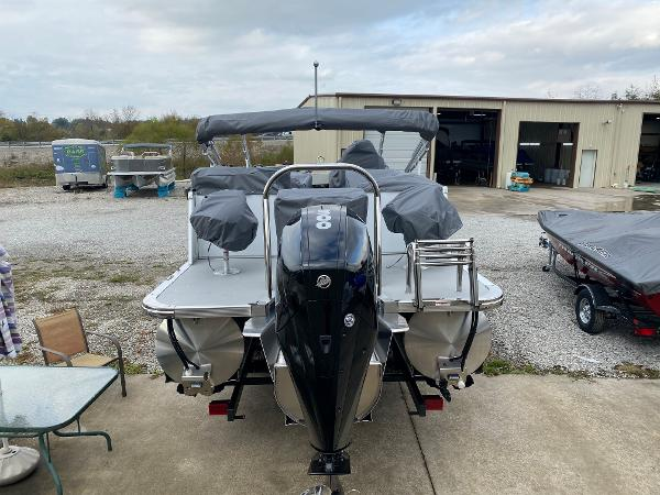 2021 Avalon boat for sale, model of the boat is 2585 Catalina Platinum Entertainer & Image # 5 of 19