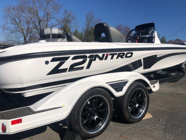 2021 Nitro boat for sale, model of the boat is Z21 & Image # 10 of 33