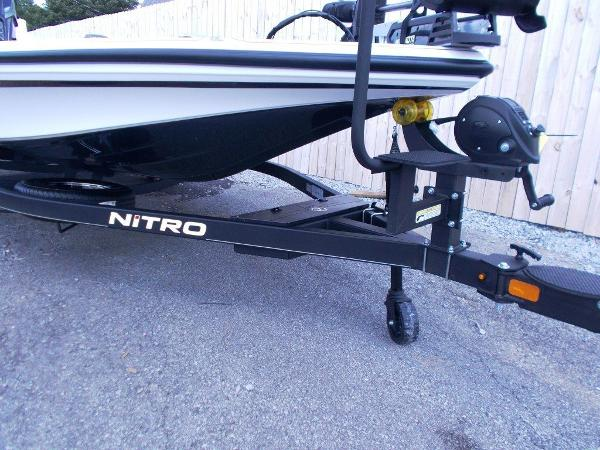 2021 Nitro boat for sale, model of the boat is Z21 & Image # 14 of 33