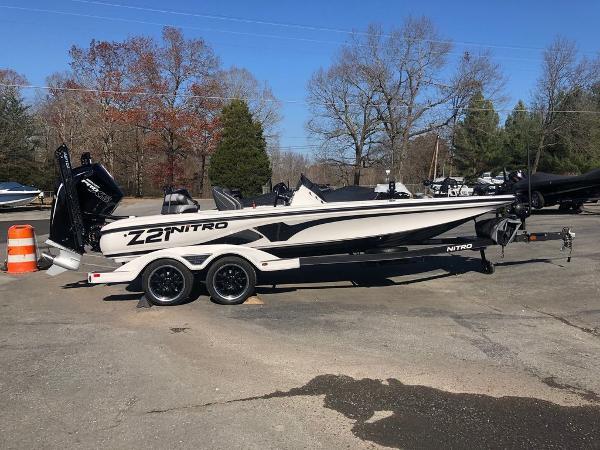 2021 Nitro boat for sale, model of the boat is Z21 & Image # 20 of 33