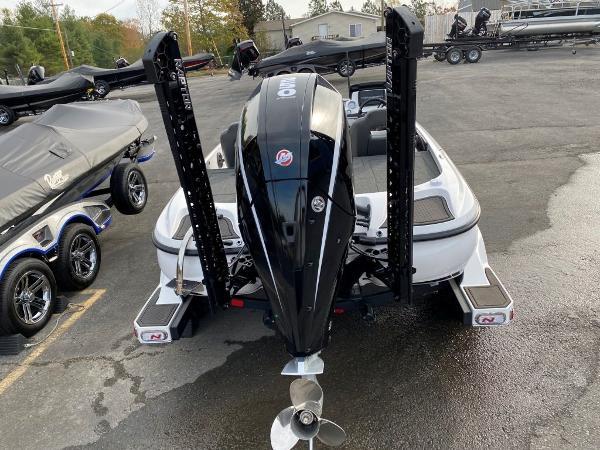 2021 Nitro boat for sale, model of the boat is Z21 & Image # 21 of 33