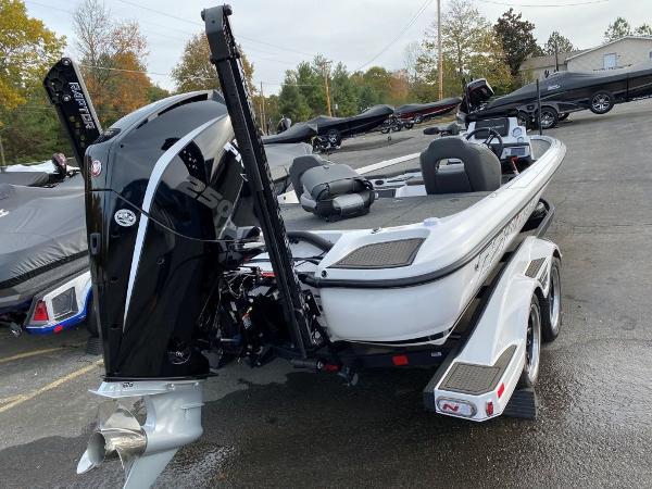 2021 Nitro boat for sale, model of the boat is Z21 & Image # 22 of 33