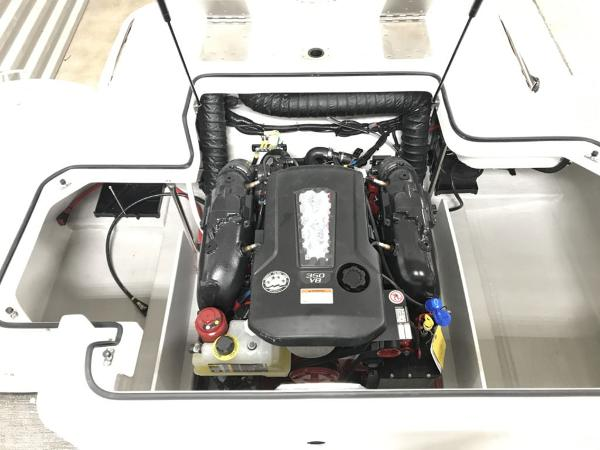 2021 Cobalt boat for sale, model of the boat is R5 & Image # 8 of 13