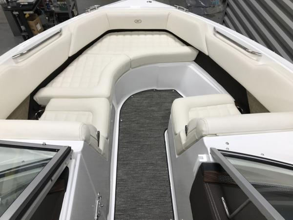 2021 Cobalt boat for sale, model of the boat is R5 & Image # 11 of 13