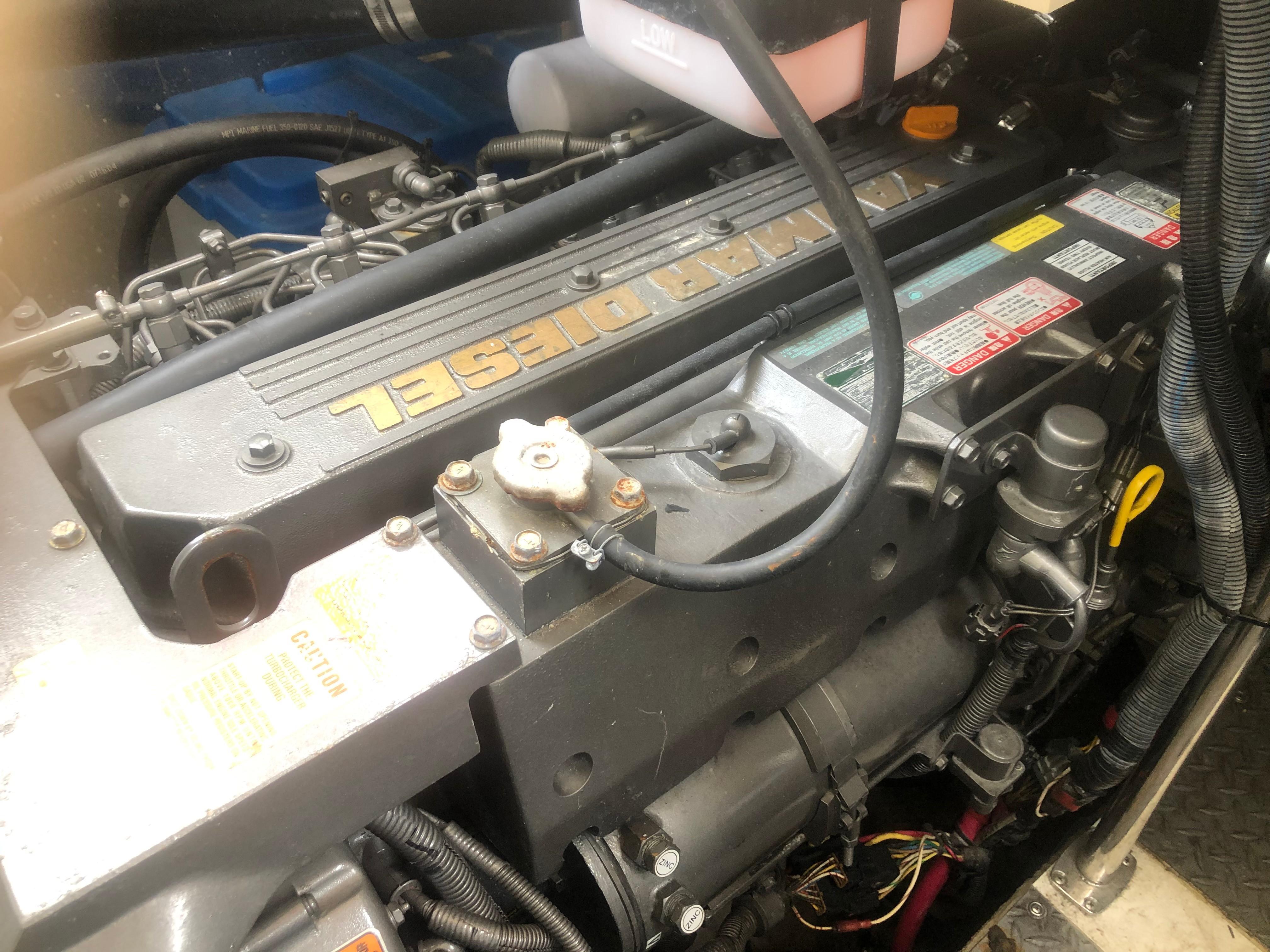 Regal Commodore - Photo: #22