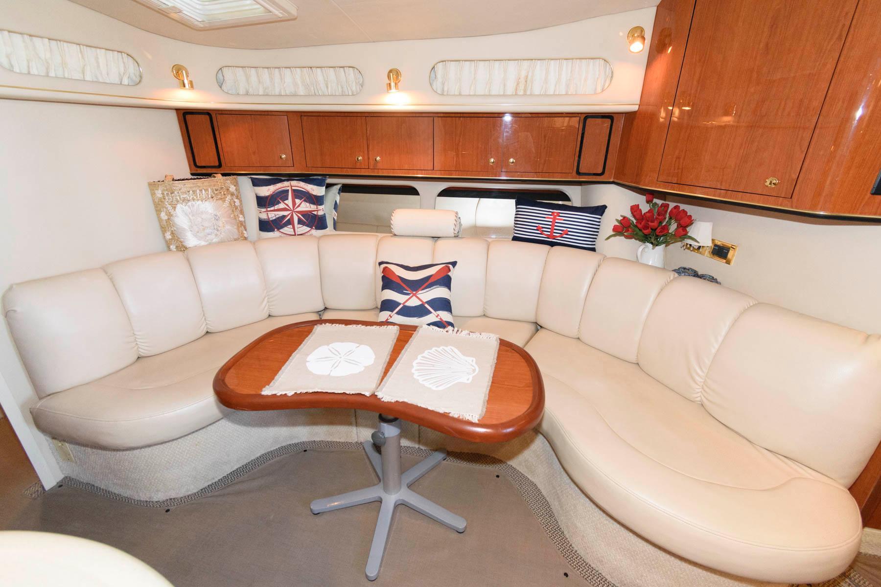 M 6254 TW Knot 10 Yacht Sales