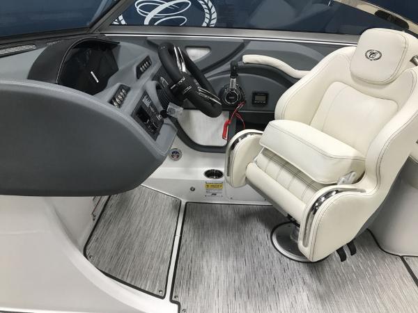 2021 Cobalt boat for sale, model of the boat is R5 Surf & Image # 10 of 13