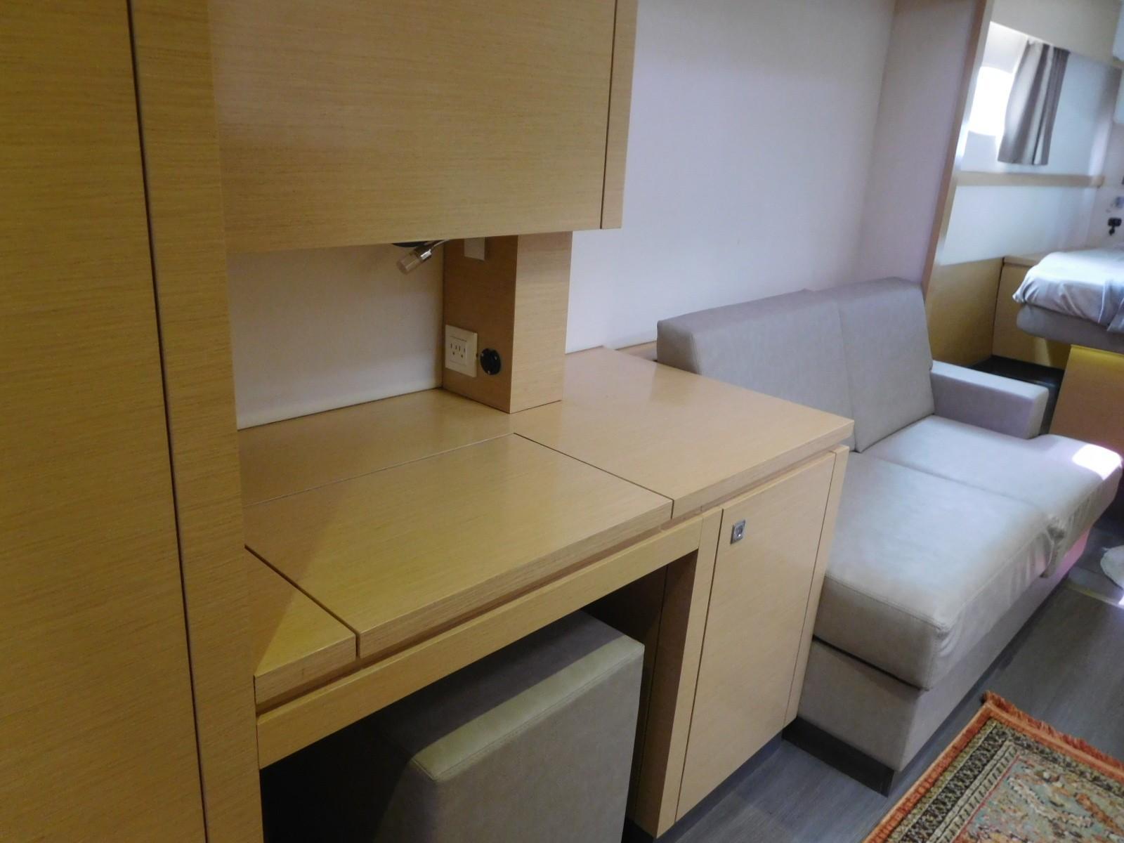 Master desk