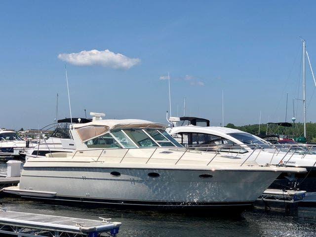 1996 Tiara Yachts 3500 Express thumbnail