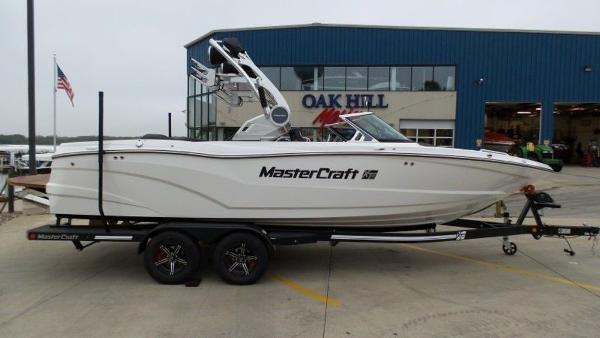 2020 Mastercraft boat for sale, model of the boat is XT23 & Image # 1 of 39