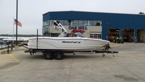 2020 Mastercraft boat for sale, model of the boat is XT23 & Image # 2 of 39