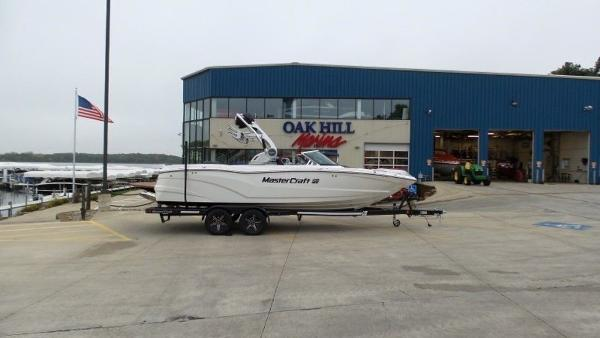 2020 Mastercraft boat for sale, model of the boat is XT23 & Image # 3 of 39