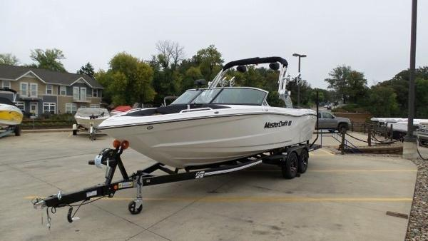 2020 Mastercraft boat for sale, model of the boat is XT23 & Image # 7 of 39