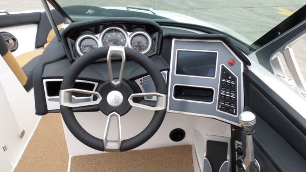 2020 Mastercraft boat for sale, model of the boat is XT23 & Image # 9 of 39